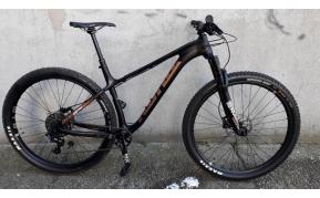 Kona Honzo CR Trail 29r carbon mountain bike kerékpár használt L-es